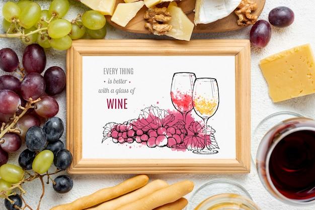 Cornice di bottiglie di vino con cornice