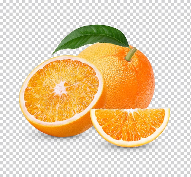 新鮮なオレンジ全体と葉を分離してスライス