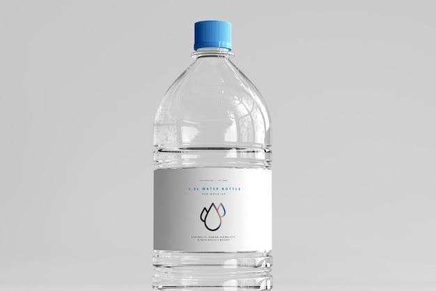 Мокап бутылки с пресной водой