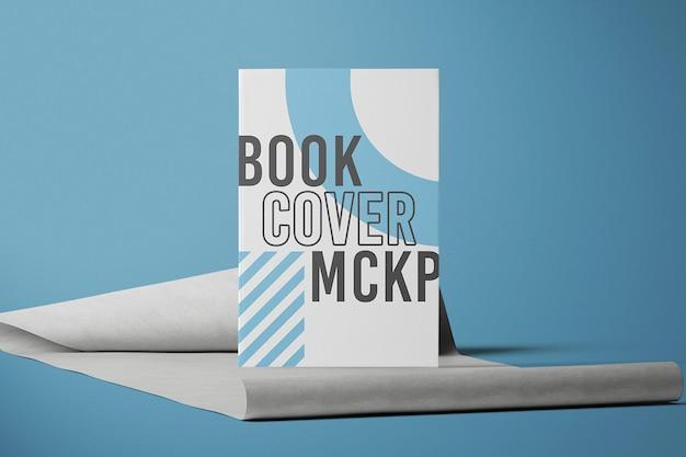 正面図の本の表紙のモックアップデザイン