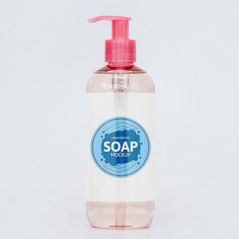 Vista frontale della bottiglia di sapone liquido
