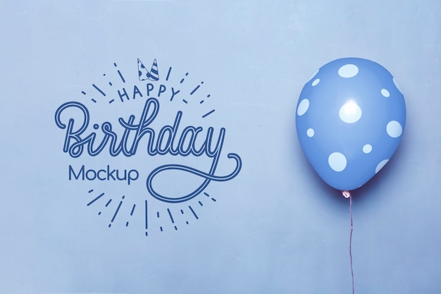 Vista frontale di palloncini mock-up di buon compleanno