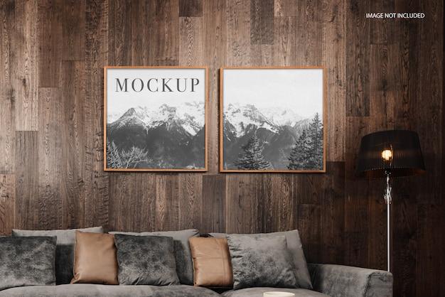 正面はソファでポスターを模擬