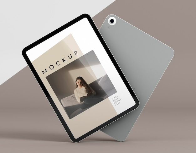 Tablet moderno vista frontale con mock-up dello schermo