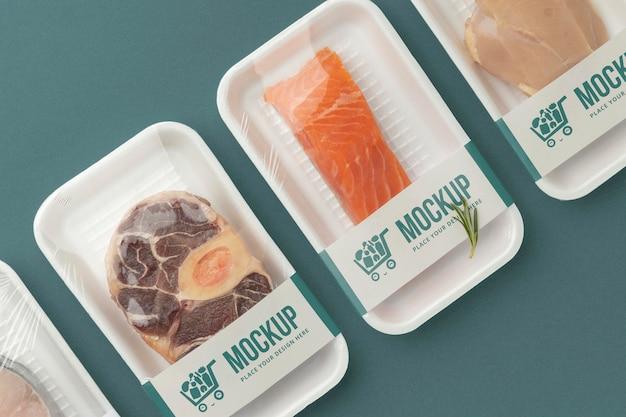 모형 포장을 사용한 냉동 식품 배열