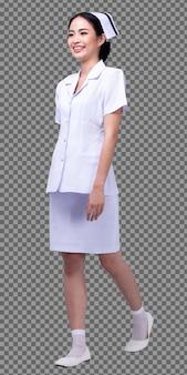 전신 길이 그림 20s 아시아 여성은 간호사 흰색 유니폼 바지를 입고 신발은 고립 된 미소를 걷고, 여성 의사는 스튜디오 촬영 흰색 배경을 걷는 미소
