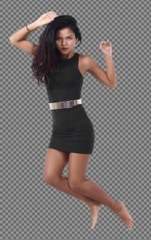 전체 길이 20대 젊은 아시아 여성 검은 머리 스커트 드레스 실행 및 점프 액션 포즈. 검게 그을린 피부 슬림 소녀는 공기에서 에너지 재미를 느끼고 격리 된 흰색 배경 위에 동작 흐림 효과