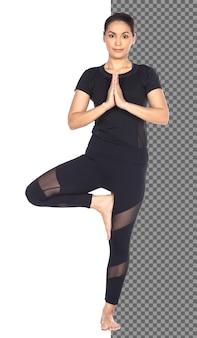 전체 길이의 슬림 바디 검게 그을린 피부 30대 40대 아시아 요가 여성이 검은색 스판덱스 드레스를 입고 고립되어 있습니다. 스포츠 소녀 운동 짧은 검은 머리 연습 요가 피트 니스 명상, 스튜디오 흰색 배경에서 포즈
