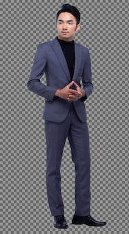 Полная длина оснастки, азиатский деловой человек стоит в темном черном костюме, брюки и туфли, студийное освещение, белый фон изолирован, загорелая мужская модель представляет, многие действуют стоя, улыбка сильная