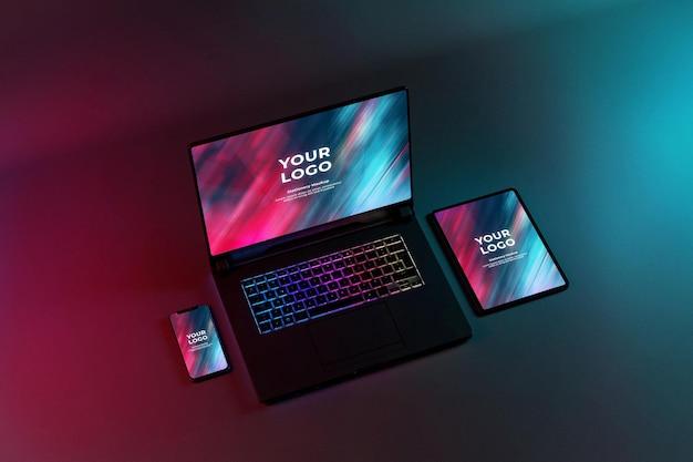 ゲーミングノートパソコンとタブレットのモックアップ