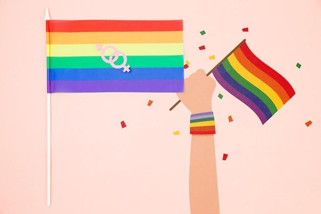 Гей-фон с радужным флагом