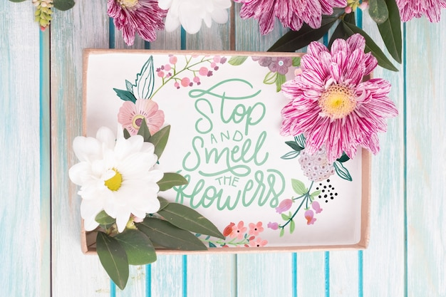 꽃 장식 선물 상자 이랑 무료 PSD 파일