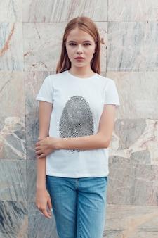 여자 티셔츠 모형