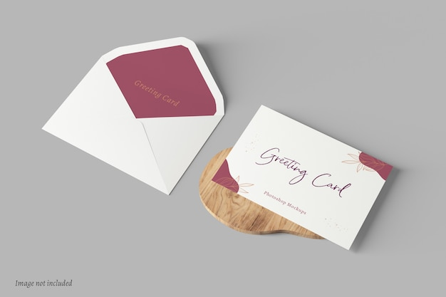 봉투가있는 인사말 카드 목업