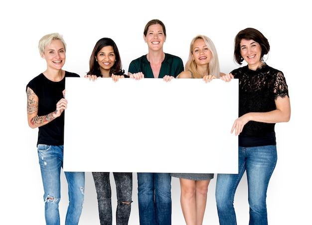 Группа женских выставок