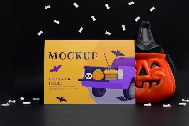 Композиция на хэллоуин с макетом карты