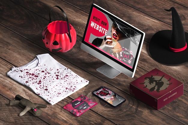 Concetto di halloween sulla scrivania in legno