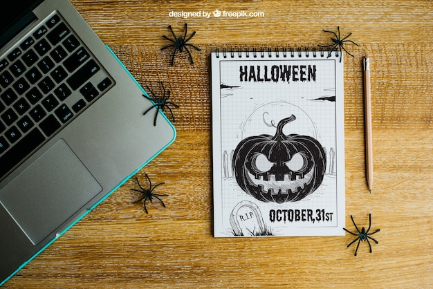 Хэллоуин макет с ноутбуком и блокнот