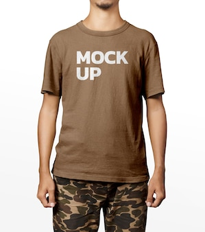 ハンサムな男のシャツのモックアップファッション