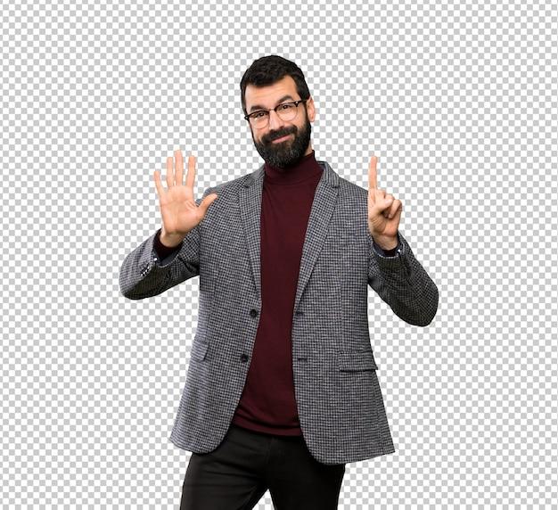指で6を数えるメガネでハンサムな男