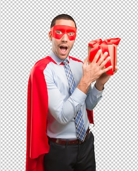 幸せなスーパービジネスマン、贈り物