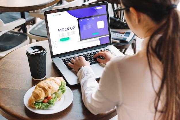 Mock-up del concetto di business ad alto angolo