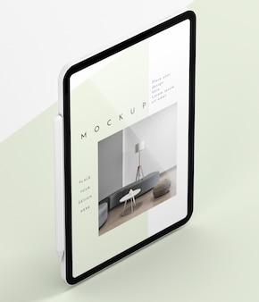 ハイアングルのモダンなタブレット画面のモックアップ