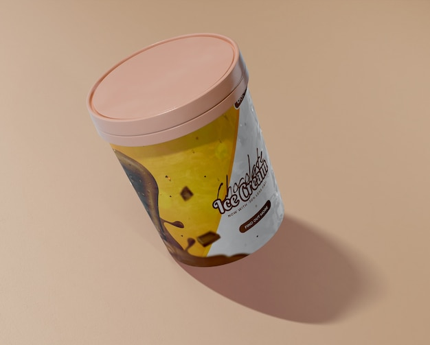 Высокий угол ведра с мороженым