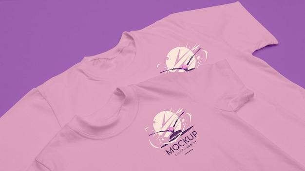 Макет концепции футболки под высоким углом