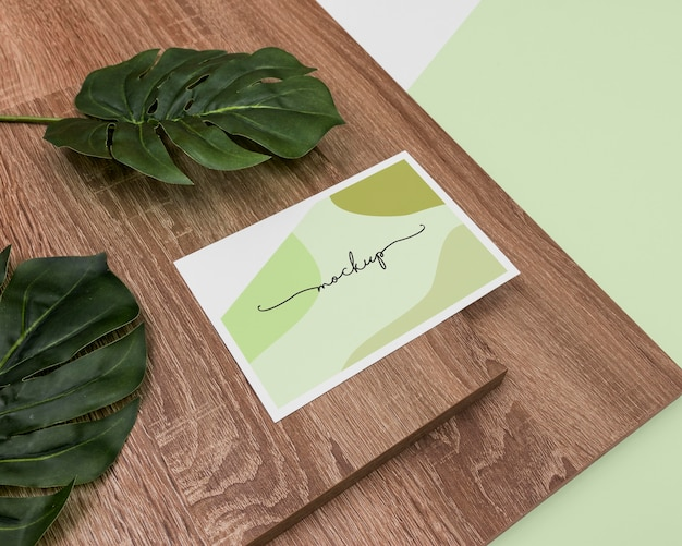 葉のあるハイアングルステーショナリー