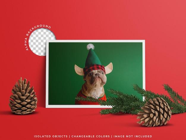 分離されたクリスマスの装飾と休日の挨拶フレームポスターフォトカードモックアップ