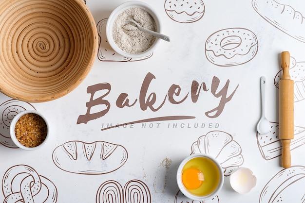 Домашнее производство свежего здорового хлеба с копией пространства для макета