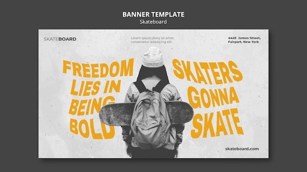 Modello di banner orizzontale per lo skateboard con la donna