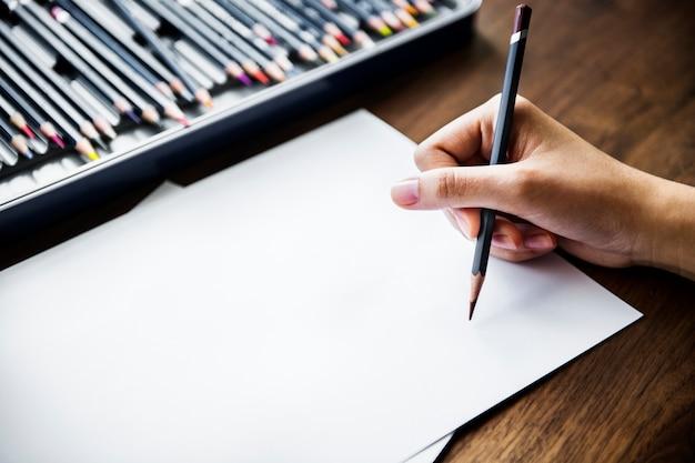 Концепция рабочего места иллюстратора с copyspace