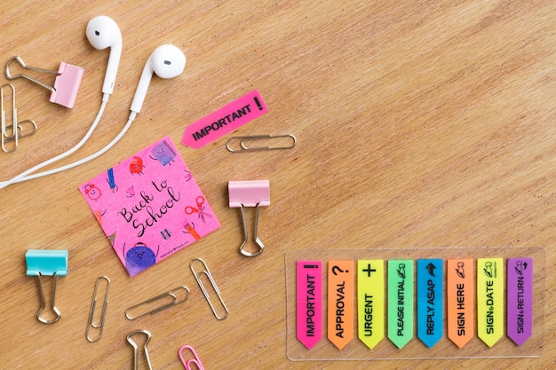 Inspirational post it with colorful elements