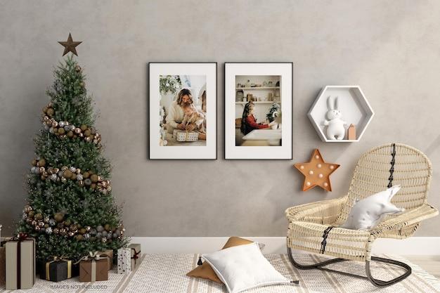 안락 의자와 크리스마스 트리 모형이 있는 실내 생활 프레임