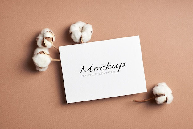 초대장 또는 인사말 카드, 천연 순면 장식이있는 고정 모형
