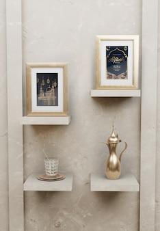 Исламская новогодняя композиция с рамками и чайником