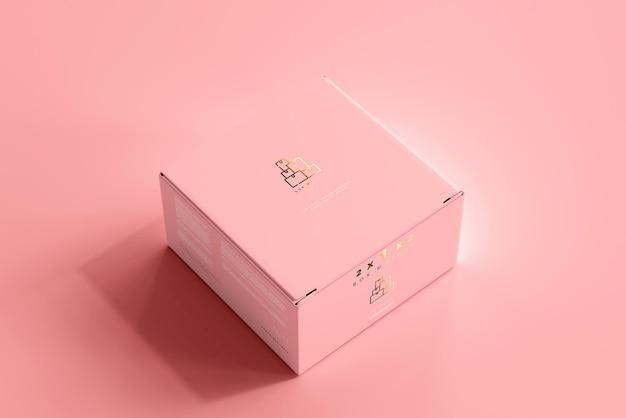 Изолированный макет коробки