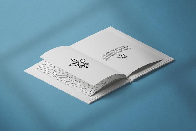등각 투영 뷰 열린 책 모형 디자인