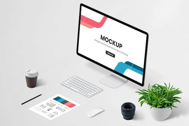 Изометрический макет дисплея компьютера веб-дизайнера