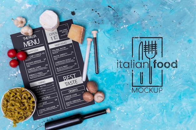 ビューの上にイタリア料理のモックアップ