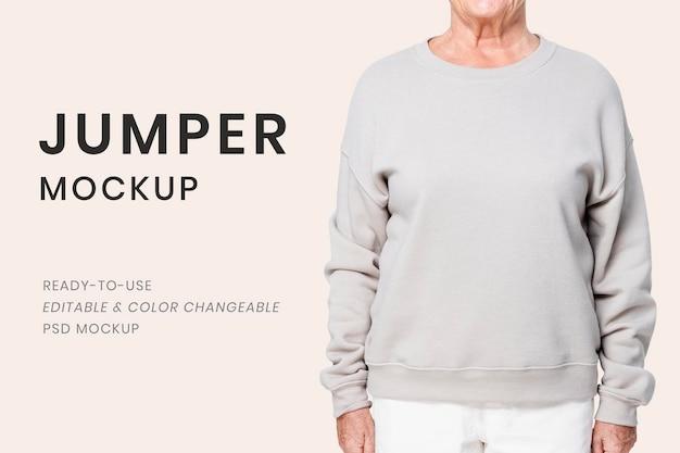 Jumper mockup psd per abbigliamento invernale senior modificabile