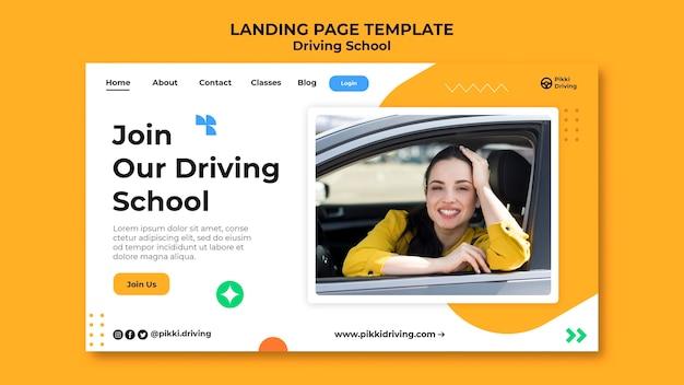 Modello di pagina di destinazione per la scuola guida con donna e auto