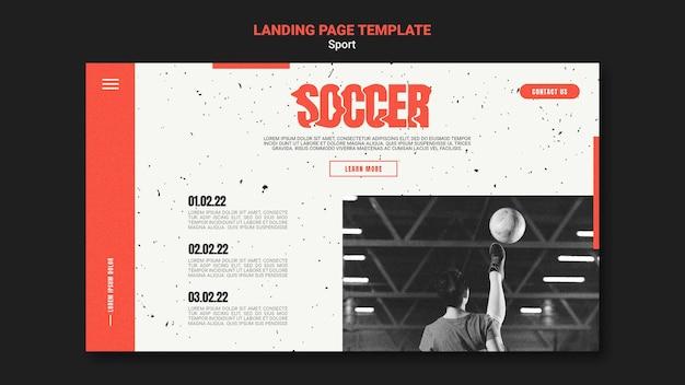 Modello di pagina di destinazione per il calcio con giocatrice