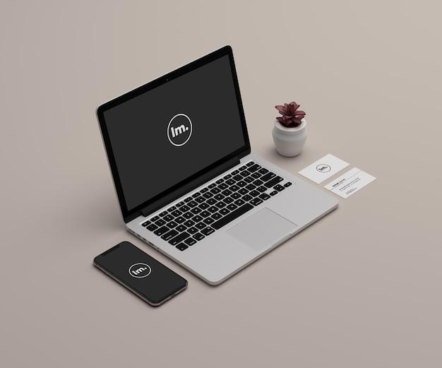 노트북 및 전화 모형