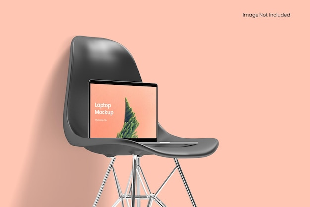 椅子の上のラップトップのモックアップ