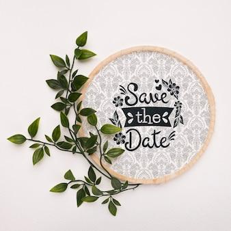 Листья с круглой рамкой сохраняют макет даты