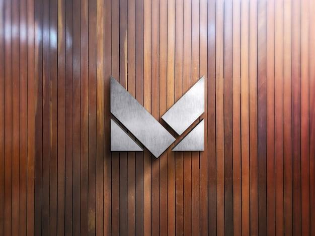 Макет логотипа компании на деревянной стене