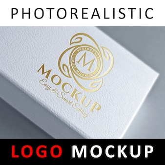 Logo mock up - логотип для тиснения фольгой на белой коробке